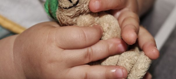 Jak rozwijać zmysły dziecka