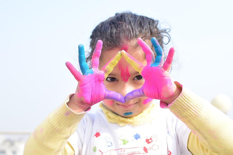 Zabawy, które zrelaksują nasze dziecko