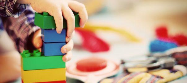 Czy klocki wpływają na rozwój dziecka?